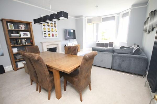3 Bedrooms Apartment Flat for sale in Cavendish Place, Bournemouth