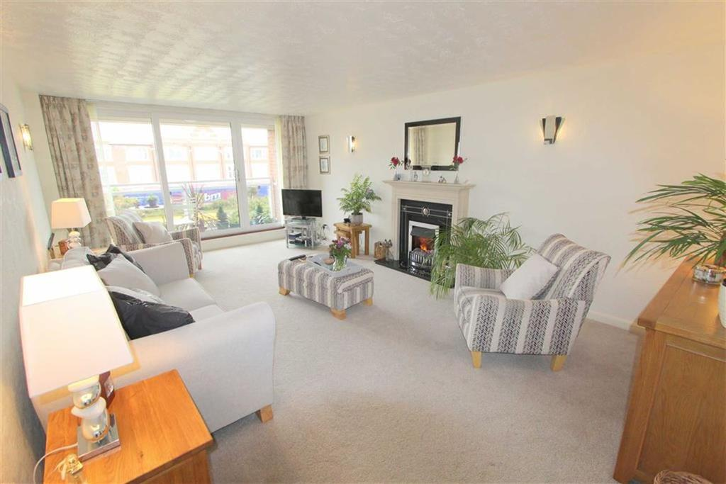 2 Bedrooms Apartment Flat for sale in Clifton Drive North, Lytham St Annes, Lancashire