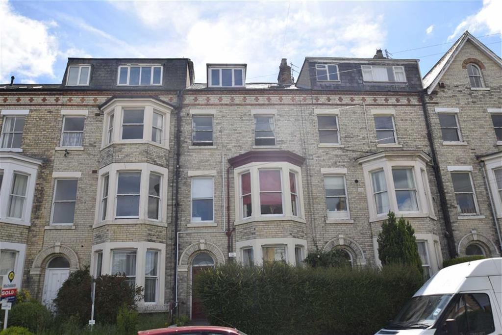 2 Bedrooms Flat for sale in Cromwell Terrace, Scarborough, North Yorkshire, YO11