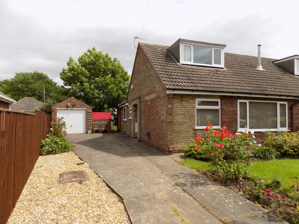 3 Bedrooms Semi Detached Bungalow for sale in Sonja Crest, Immingham DN40