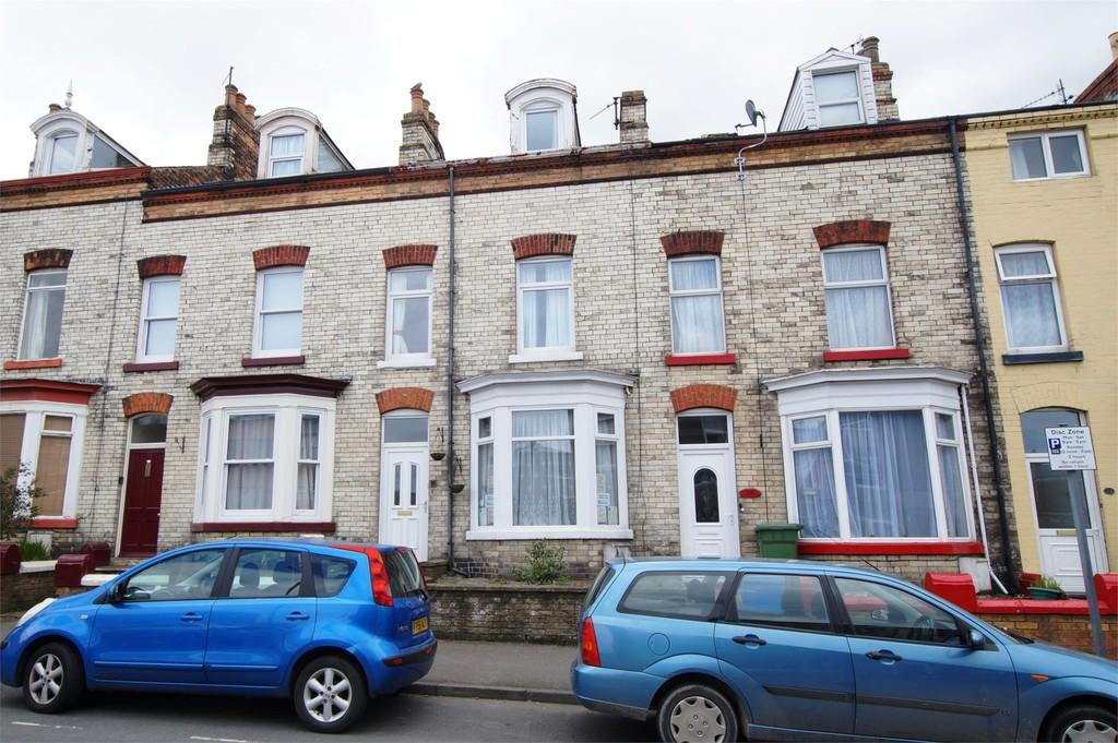 5 Bedrooms Terraced House for sale in Barwick Street Scarborough