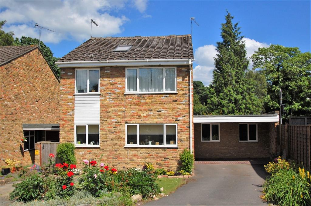 4 Bedrooms Detached House for sale in Ash Grove, Stoke Poges, SL2