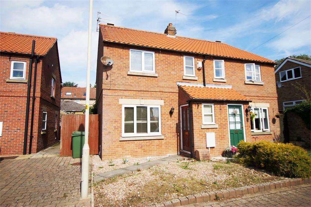 3 Bedrooms Semi Detached House for sale in Carr Lane East Ayton Scarborough