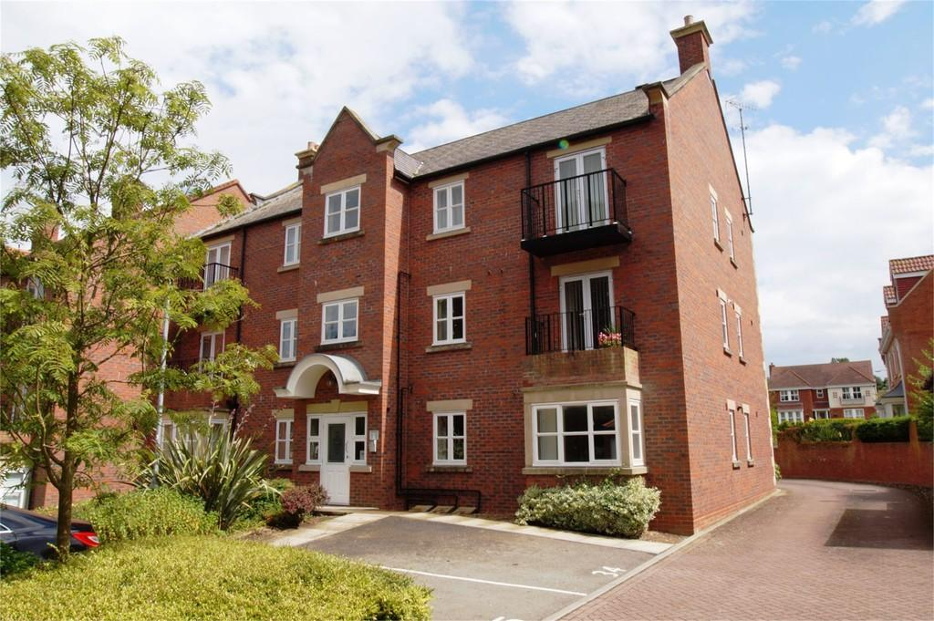 2 Bedrooms Ground Flat for sale in Fenby Gardens Scarborough