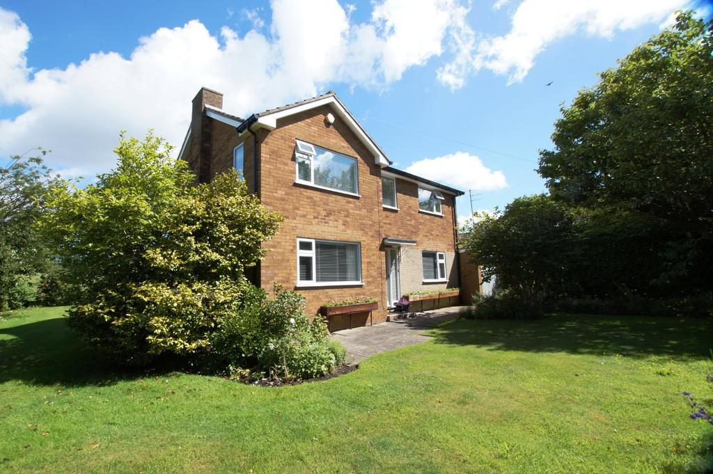4 Bedrooms Detached House for sale in Station Lane Cloughton Scarborough