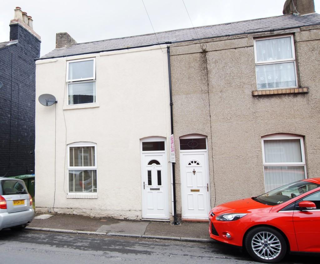 2 Bedrooms Semi Detached House for sale in Ewart Street Scarborough