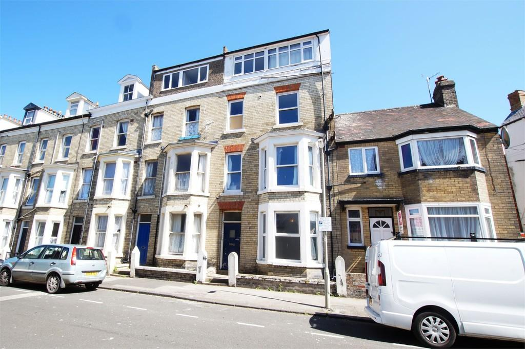 4 Bedrooms Flat for sale in Queen's Terrace Scarborough