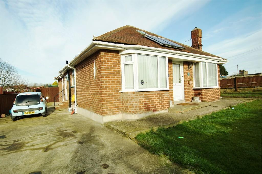 3 Bedrooms Detached Bungalow for sale in Mill Lane Cayton Bay Scarborough