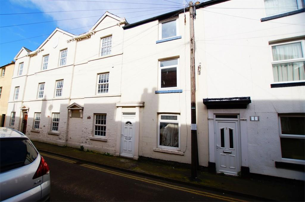 3 Bedrooms Terraced House for sale in Clark Street Scarborough