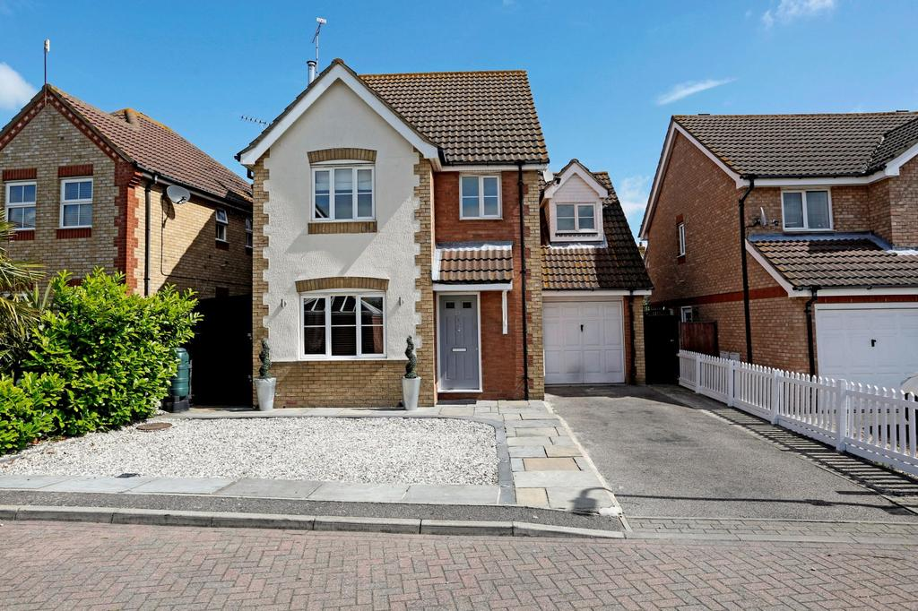4 Bedrooms Detached House for sale in Buttercup Way, Southminster, Essex, CM0