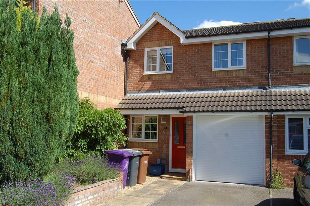 3 Bedrooms Terraced House for sale in Mermaid Close, Hitchin, Hertfordshire