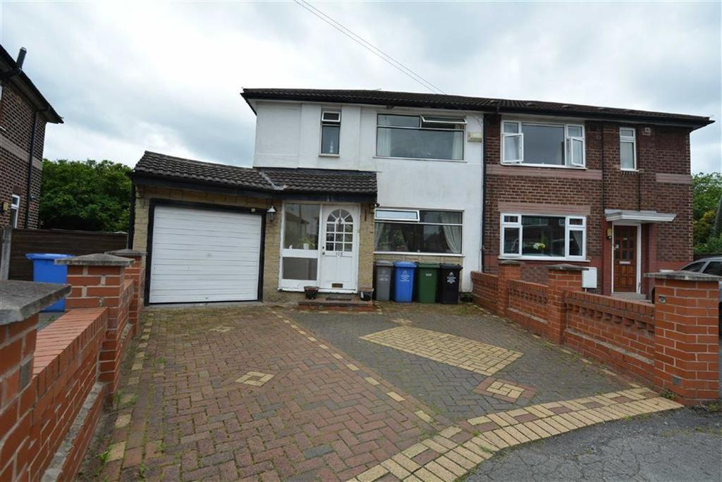 3 Bedrooms Semi Detached House for sale in Kingsway Park, URMSTON, Manchester