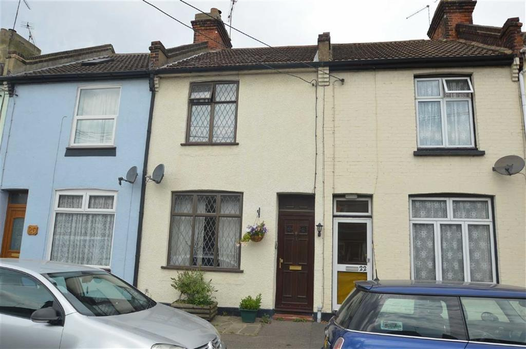 2 Bedrooms Terraced House for sale in Sutton Court Drive, Rochford, Essex
