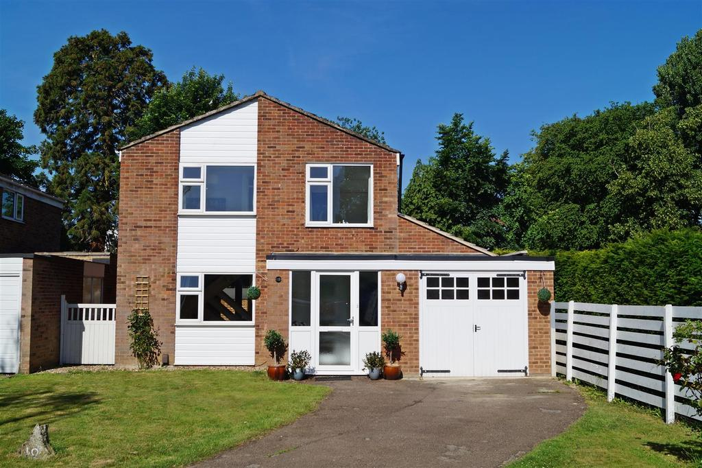 4 Bedrooms Detached House for sale in Cranbrook Drive, St Albans