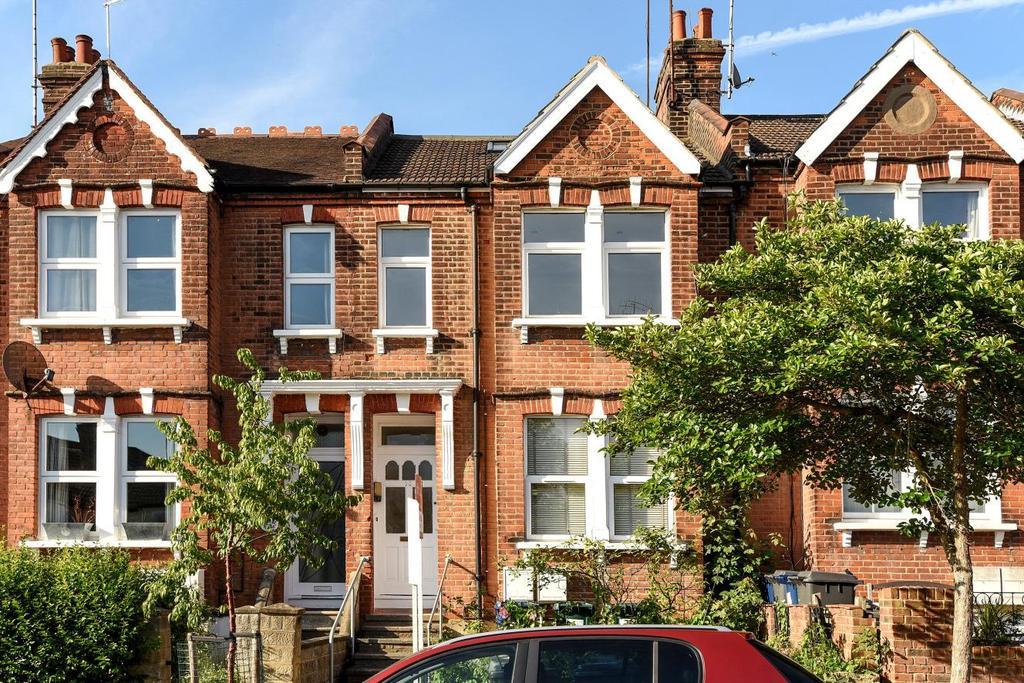 3 Bedrooms Maisonette Flat for sale in Elm Park Road, London, N3