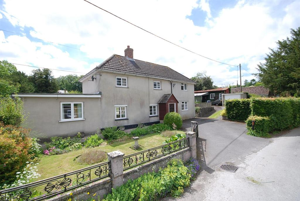 3 Bedrooms Detached House for sale in Middle Woodford, Salisbury