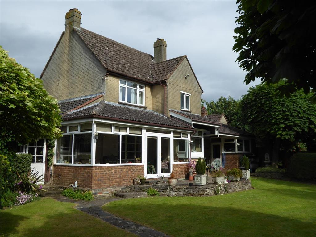 3 Bedrooms Detached House for sale in Polwell Lane, Barton Seagrave, Kettering