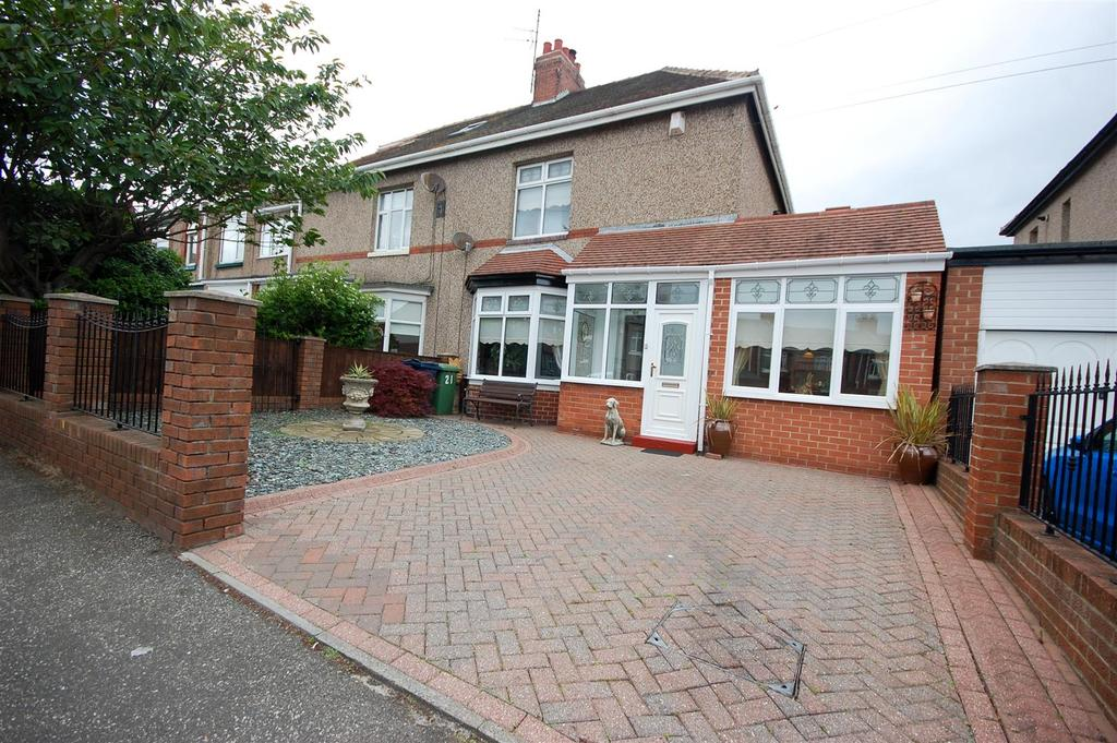 2 Bedrooms Semi Detached House for sale in Givens Street, Roker, Sunderland