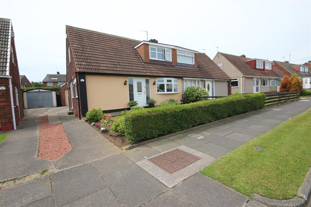 2 Bedrooms Semi Detached Bungalow for sale in Swalebrooke Avenue, Brooke Estate, Hartlepool