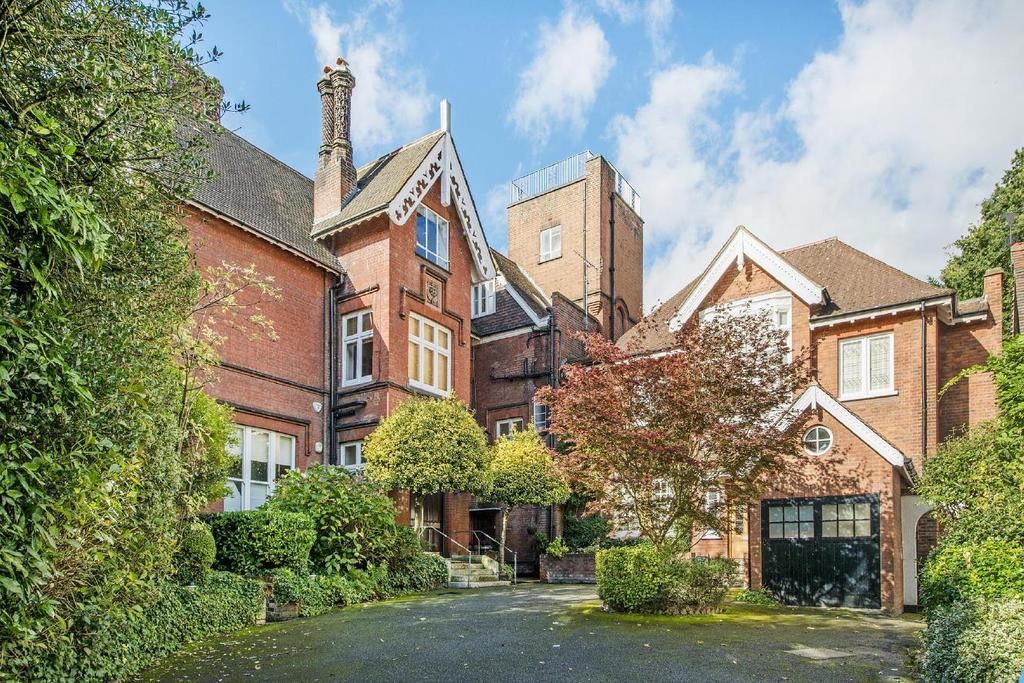 2 Bedrooms Flat for sale in Netherhall Gardens, Hampstead