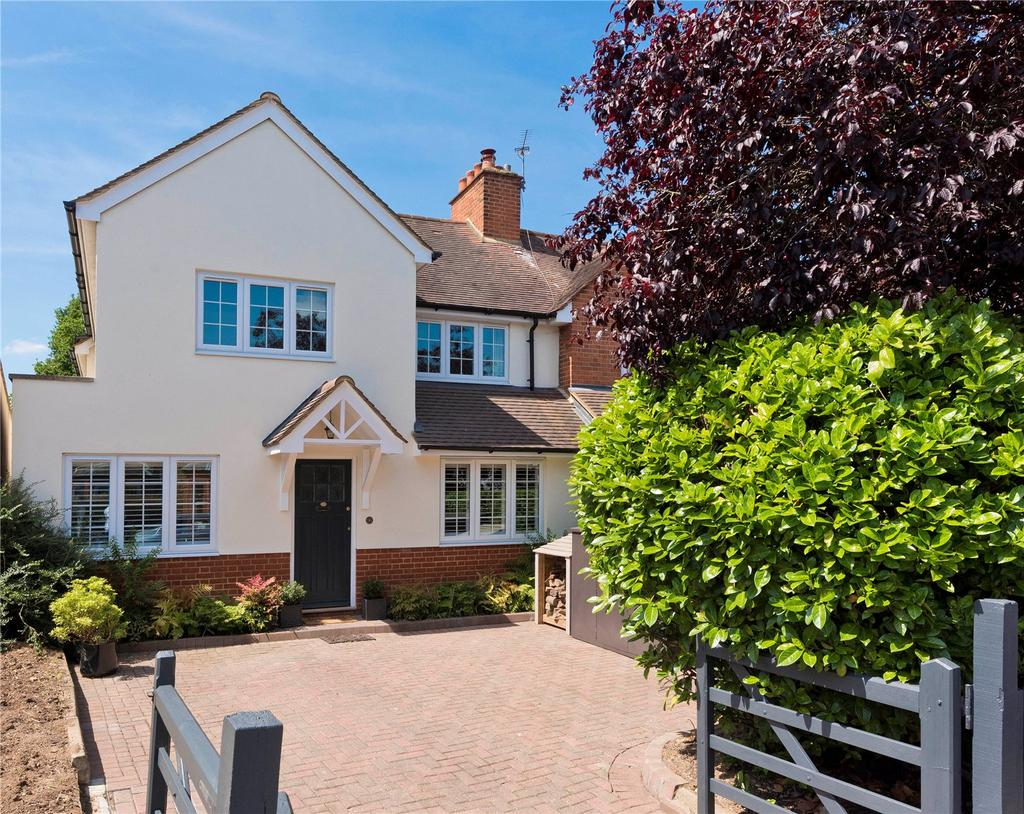 4 Bedrooms Semi Detached House for sale in Summer Road, Thames Ditton, Surrey, KT7