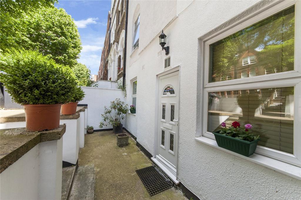 3 Bedrooms Flat for sale in Brondesbury Villas, London
