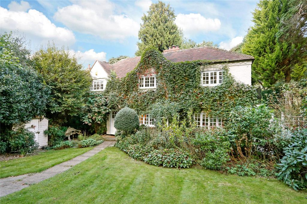 3 Bedrooms Semi Detached House for sale in Hedgerley Lane, Gerrards Cross, Buckinghamshire