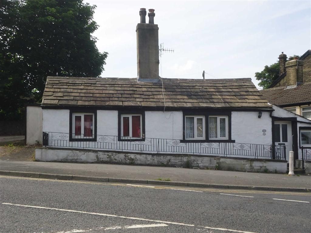 1 Bedroom Cottage House for sale in Hollingwood Lane, Bradford, West Yorkshire, BD7