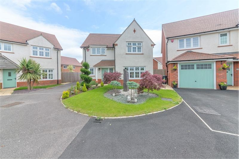 4 Bedrooms Detached House for sale in Cleeve Grange Crescent, Newport, Newport. NP20 2PY