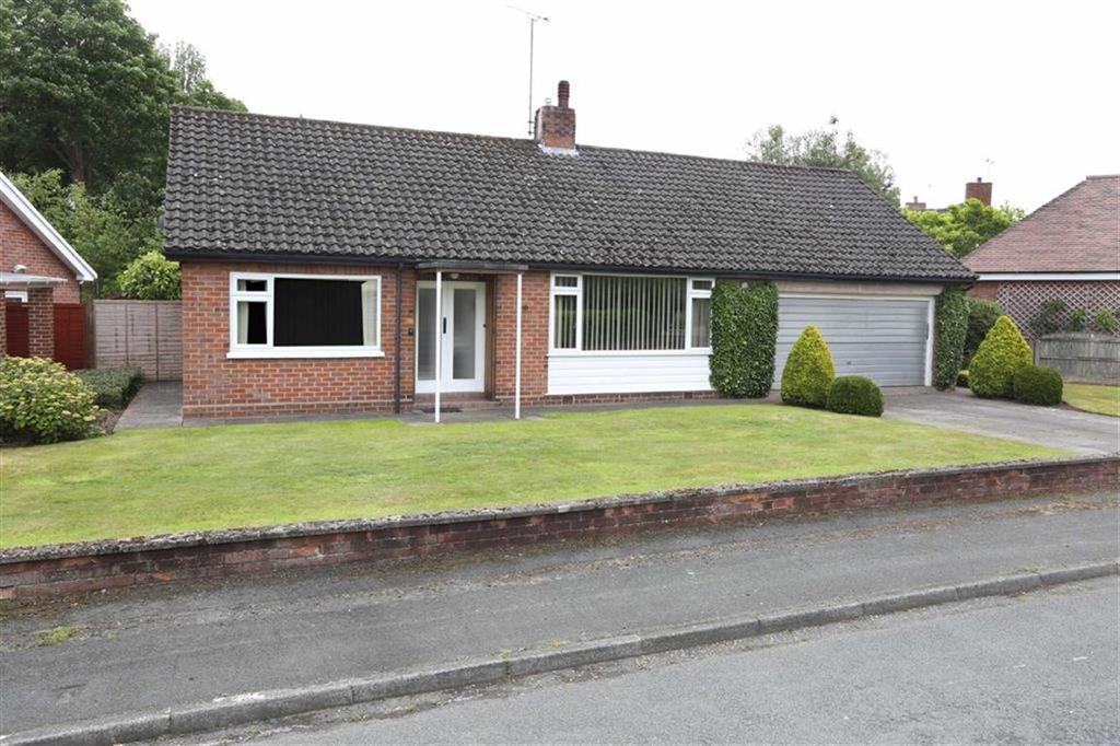 2 Bedrooms Detached Bungalow for sale in Meadow Drive, Crewe, Cheshire