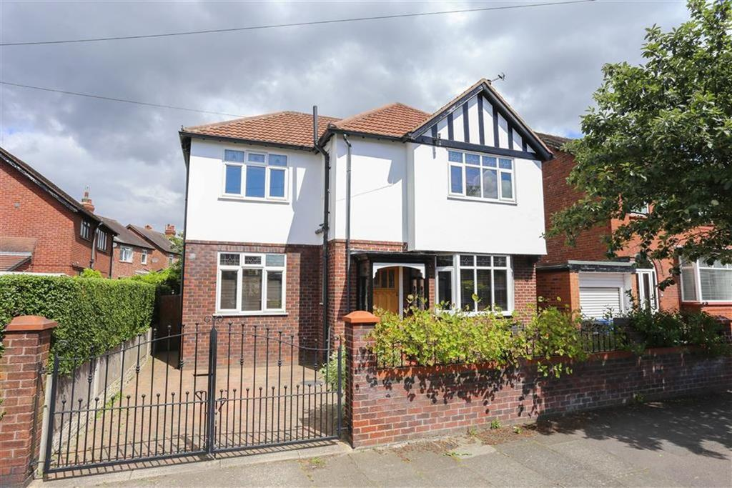 4 Bedrooms Detached House for sale in Pendennis Road, Heaton Norris