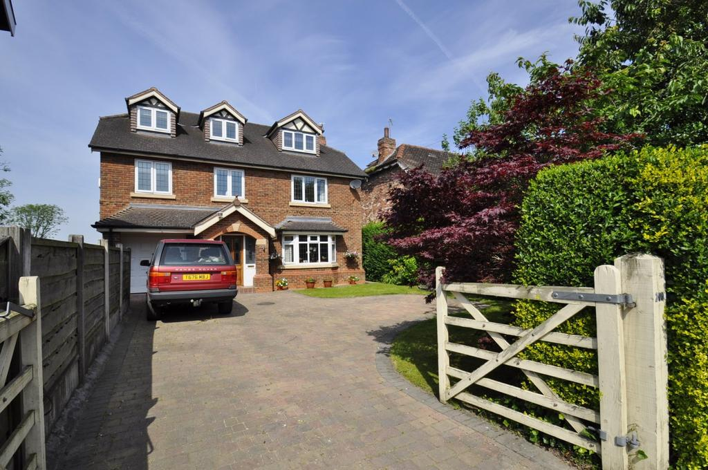 6 Bedrooms Detached House for sale in Chester Road, Hazel Grove,