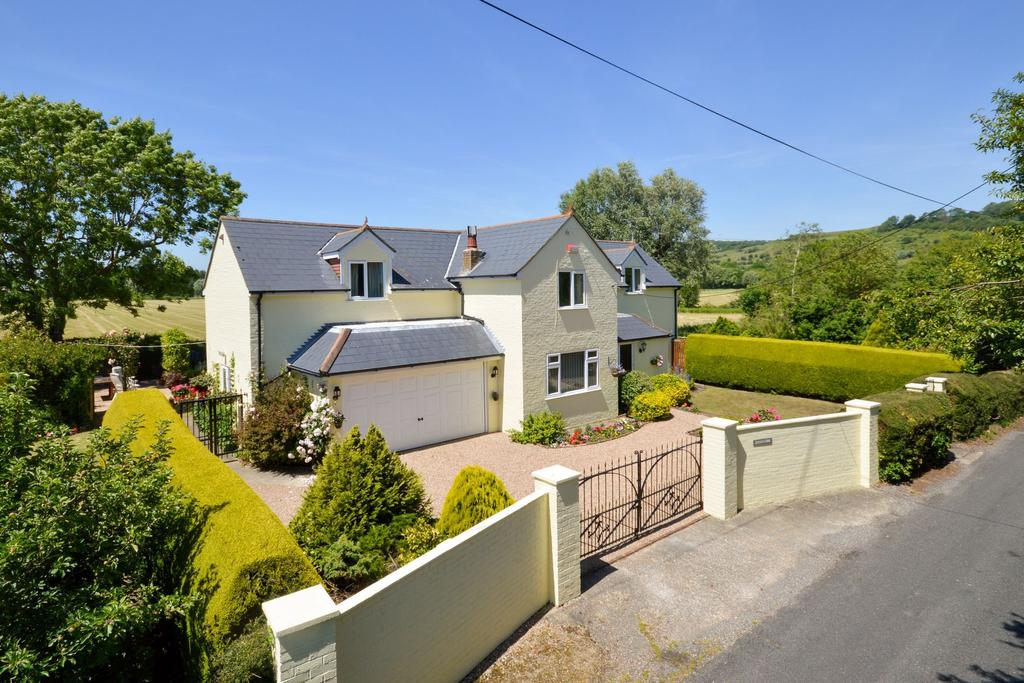 4 Bedrooms Detached House for sale in Hythe, CT21