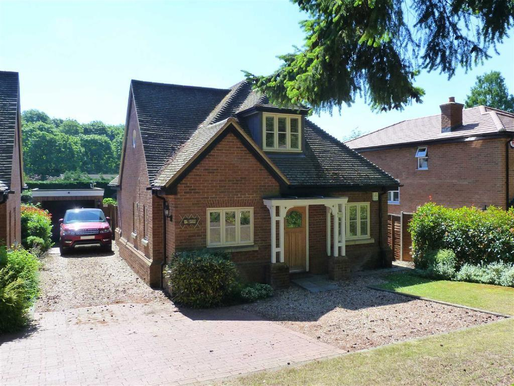 3 Bedrooms Detached House for sale in Wendover Drive, Welwyn Village