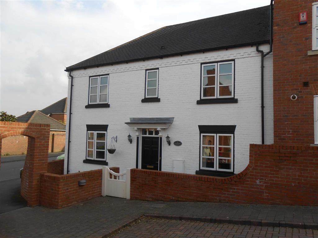 2 Bedrooms Flat for sale in Havergal Place, Shareshill, Wolverhampton