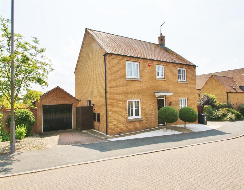 4 Bedrooms Detached House for sale in Long Hassocks, Rugby