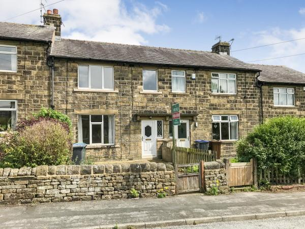 3 Bedrooms Terraced House for sale in 10 Weatherhead Place, Silsden BD20 0JE
