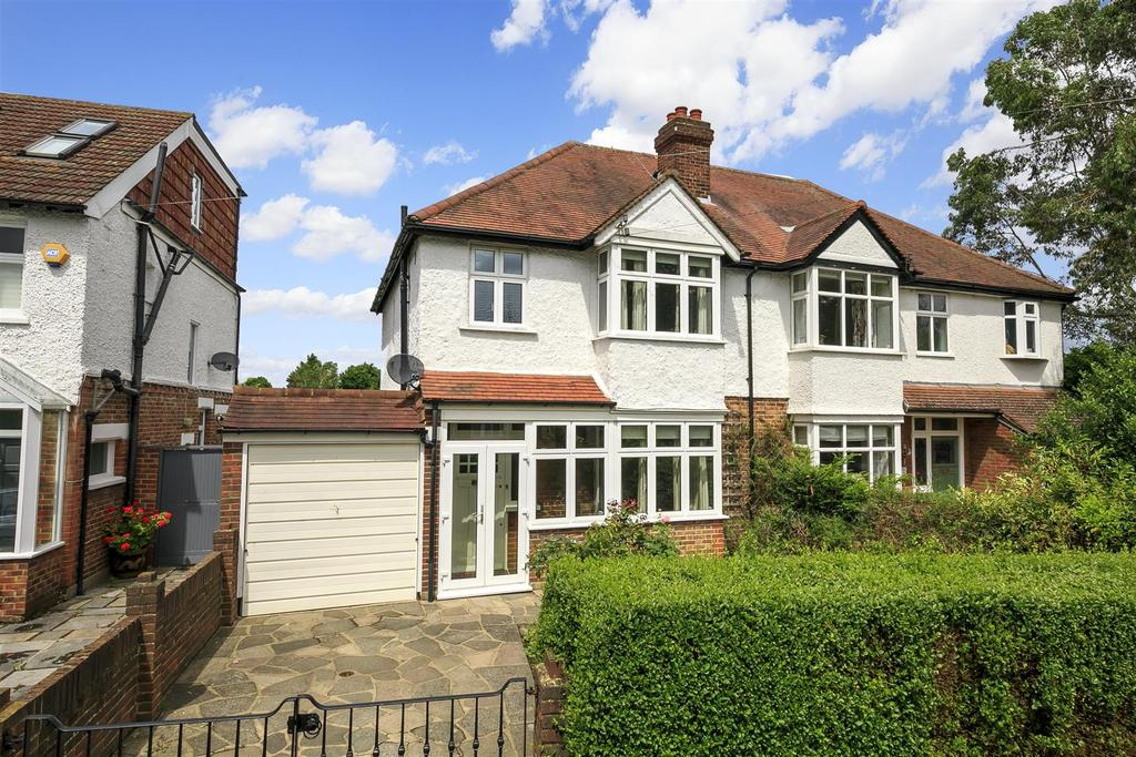 3 Bedrooms Semi Detached House for sale in Holly Bush Lane, Hampton