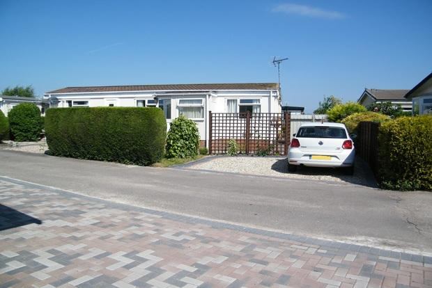 1 Bedroom Park Home Mobile Home for sale in Tollerton Park, Tollerton Lane, Tollerton, Nottingham, NG12