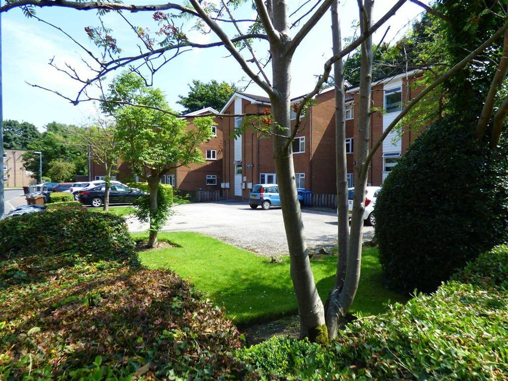 2 Bedrooms Flat for sale in Everett Court, Withington, Manchester, M20