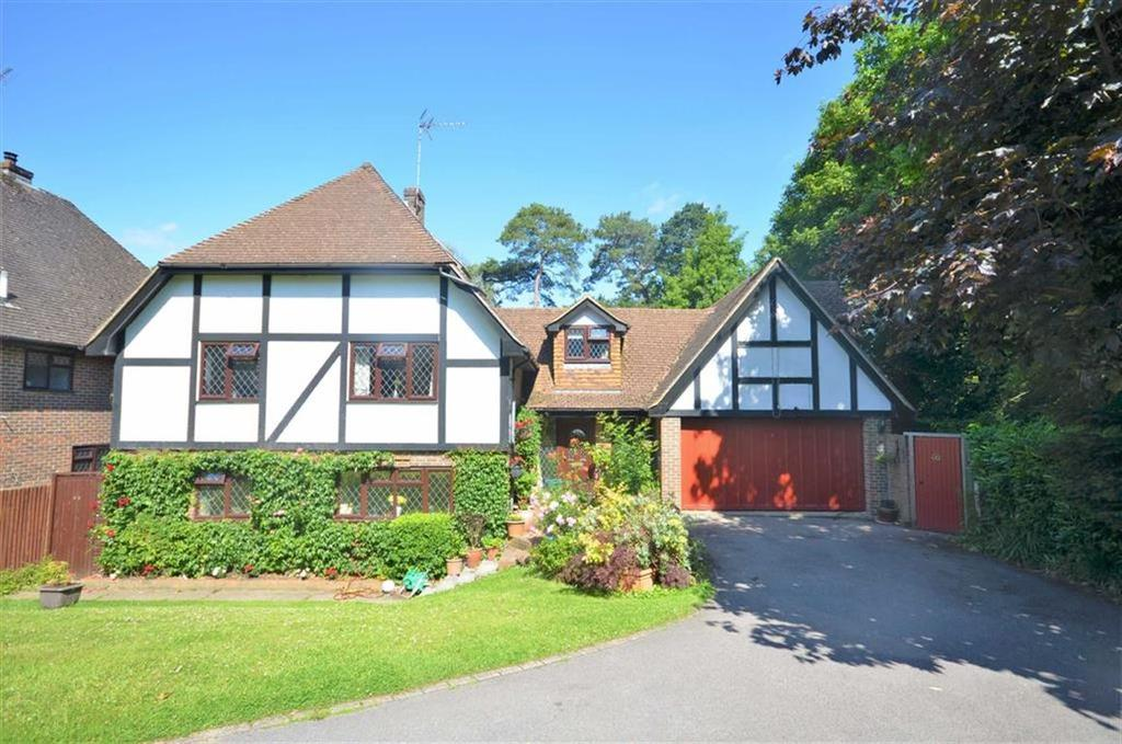 5 Bedrooms Detached House for sale in Broad Ha'penny, Boundstone, Farnham