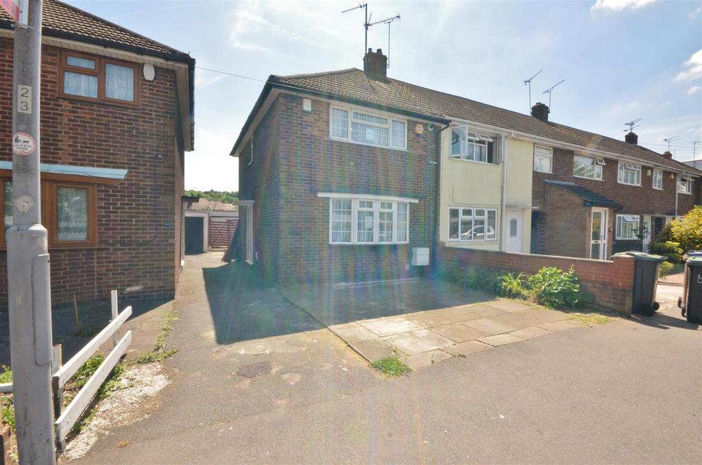 3 Bedrooms End Of Terrace House for sale in Dallow Road, Luton