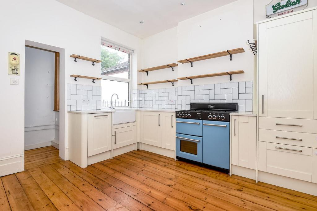 3 Bedrooms Flat for sale in Kingsmead Road, Tulse Hill