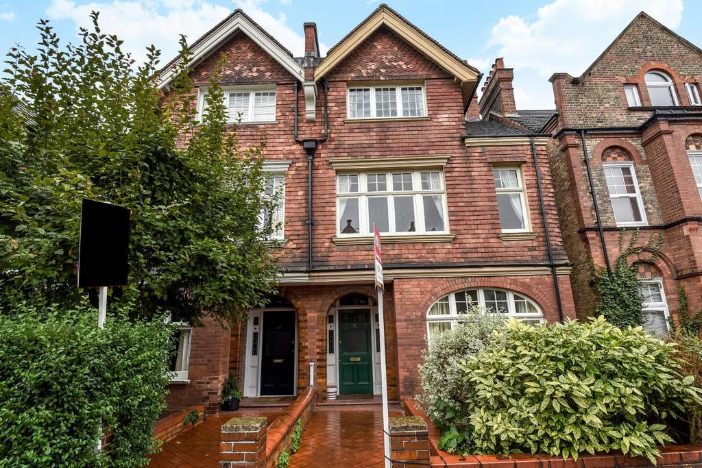 3 Bedrooms Flat for sale in Kingsmead Road, Tulse Hill, SW2