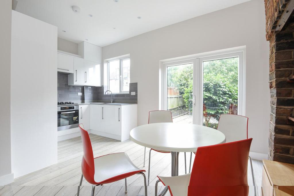 4 Bedrooms Terraced House for sale in Deal Road, Tooting, SW17