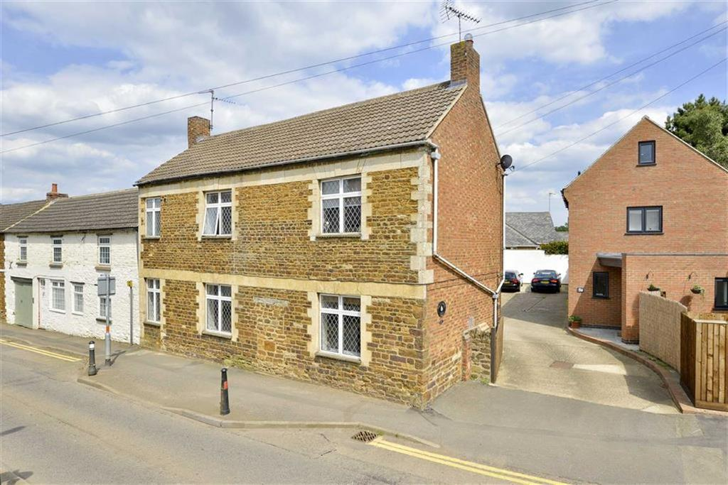 4 Bedrooms Cottage House for sale in High Street, Broughton