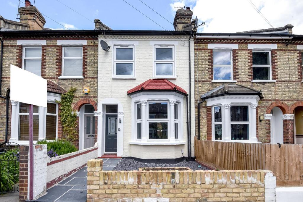 4 Bedrooms Terraced House for sale in Montrave Road, Penge, SE20