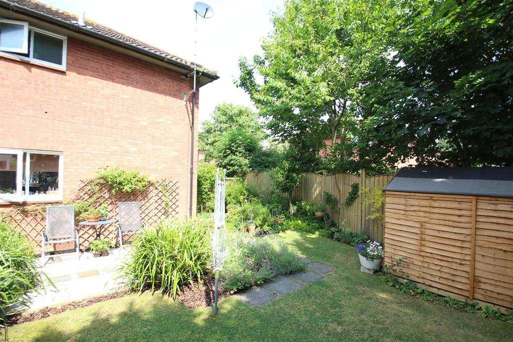 1 Bedroom House for sale in Hilliard Drive, Bradwell, Milton Keynes