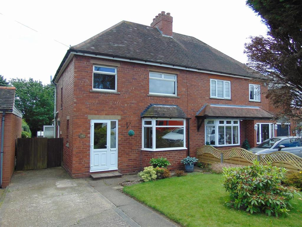 3 Bedrooms Semi Detached House for sale in Lazy Hill Road, Aldridge, Walsall