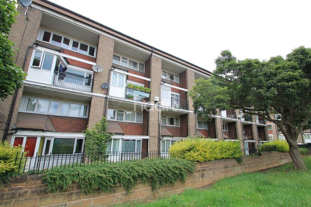 2 Bedrooms Flat for sale in Keswick Court , Sneinton